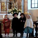 Otroci zaigrali prizor iz življenja sv. Angele