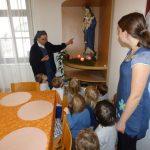 Otroci iz rdeče sobe na obisku pri sestrah